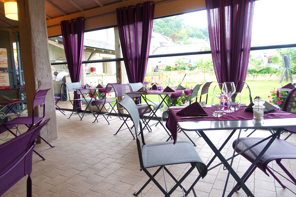 i really like the interior design of this restaurant firstly because it is in such a beautiful location overlooking the river and the beautiful chateau