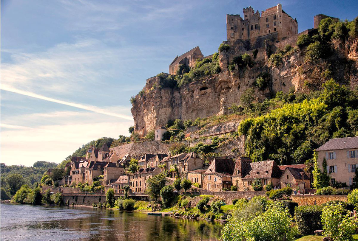 The Beautiful Dordogne - British Interior Designer Dordogne Beynac.